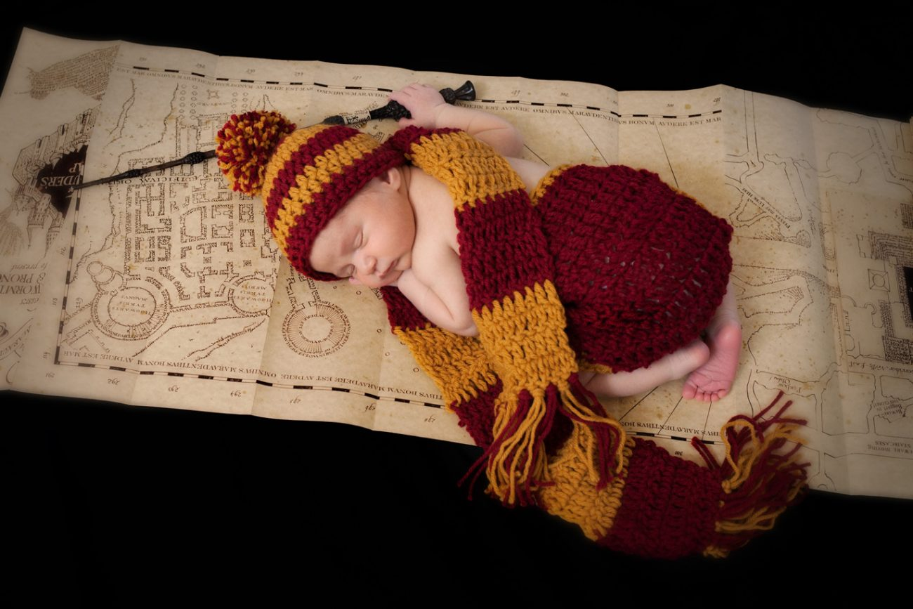 harry potter newborn with harry potter hat and scarf