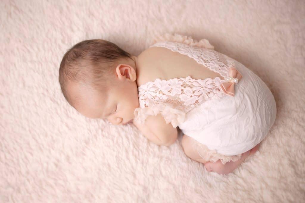 baby girl --windham nh -- www.daniellebustamante.com